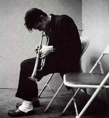 Chet Baker con su trompeta, rey del Cool Jazz