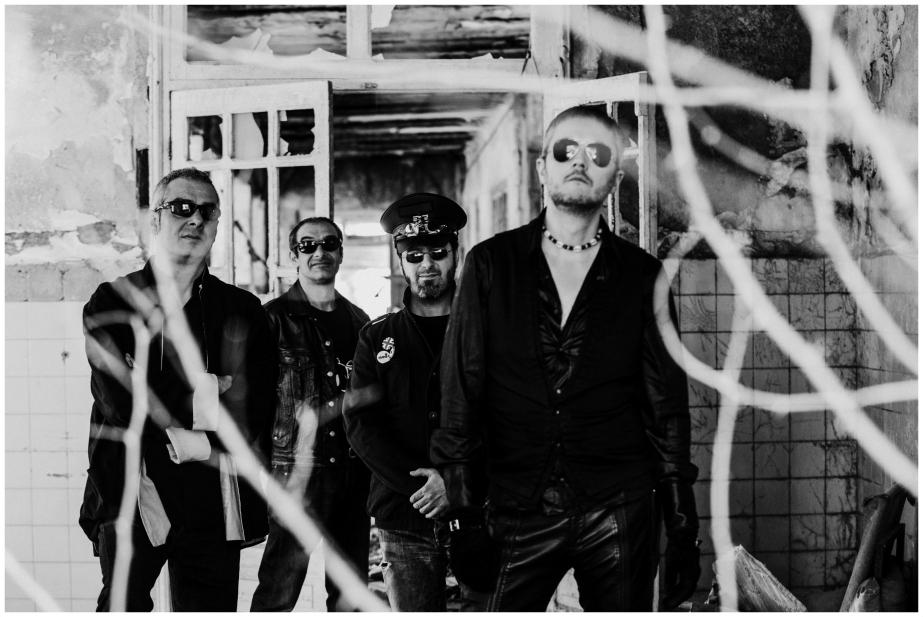 Fidel Díaz (teclados), Dudu (batería), Weiss (bajo) & Dako (voz, guitarra). Fotografía: Margot Sowinska - 2014.